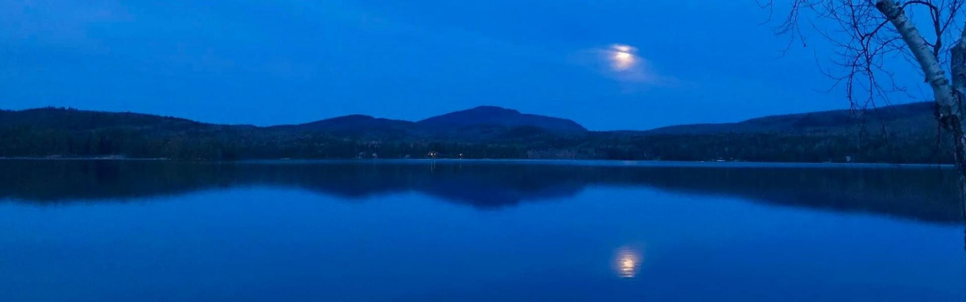 Moon on Schroon